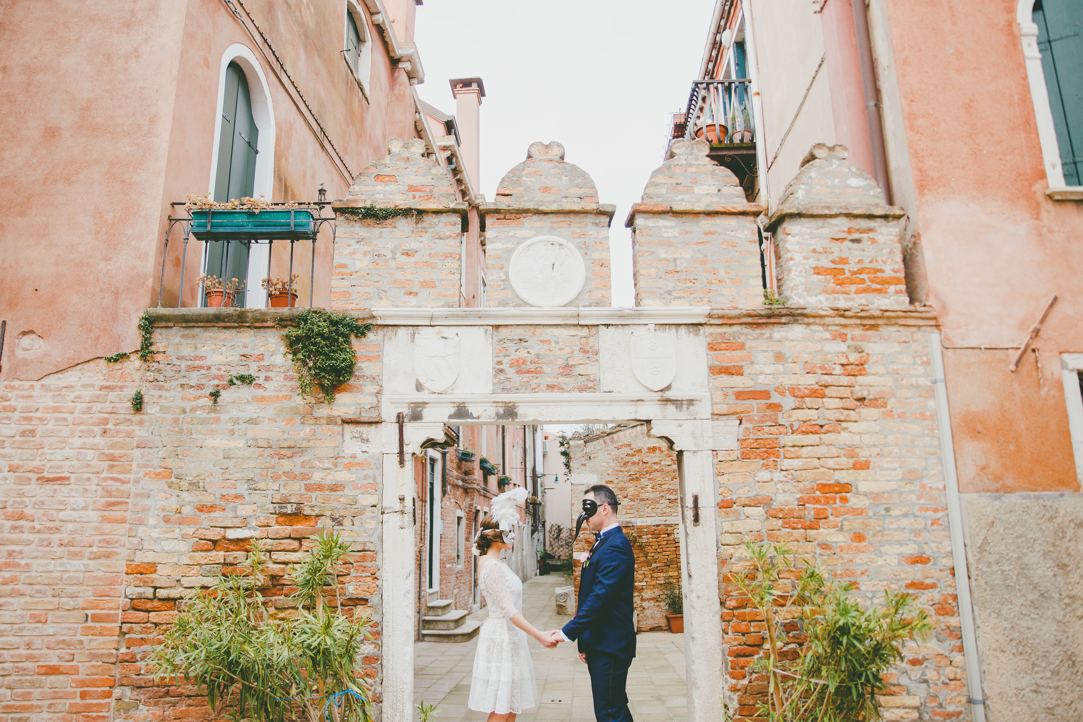 elopement pictures destination wedding photographer europe italy