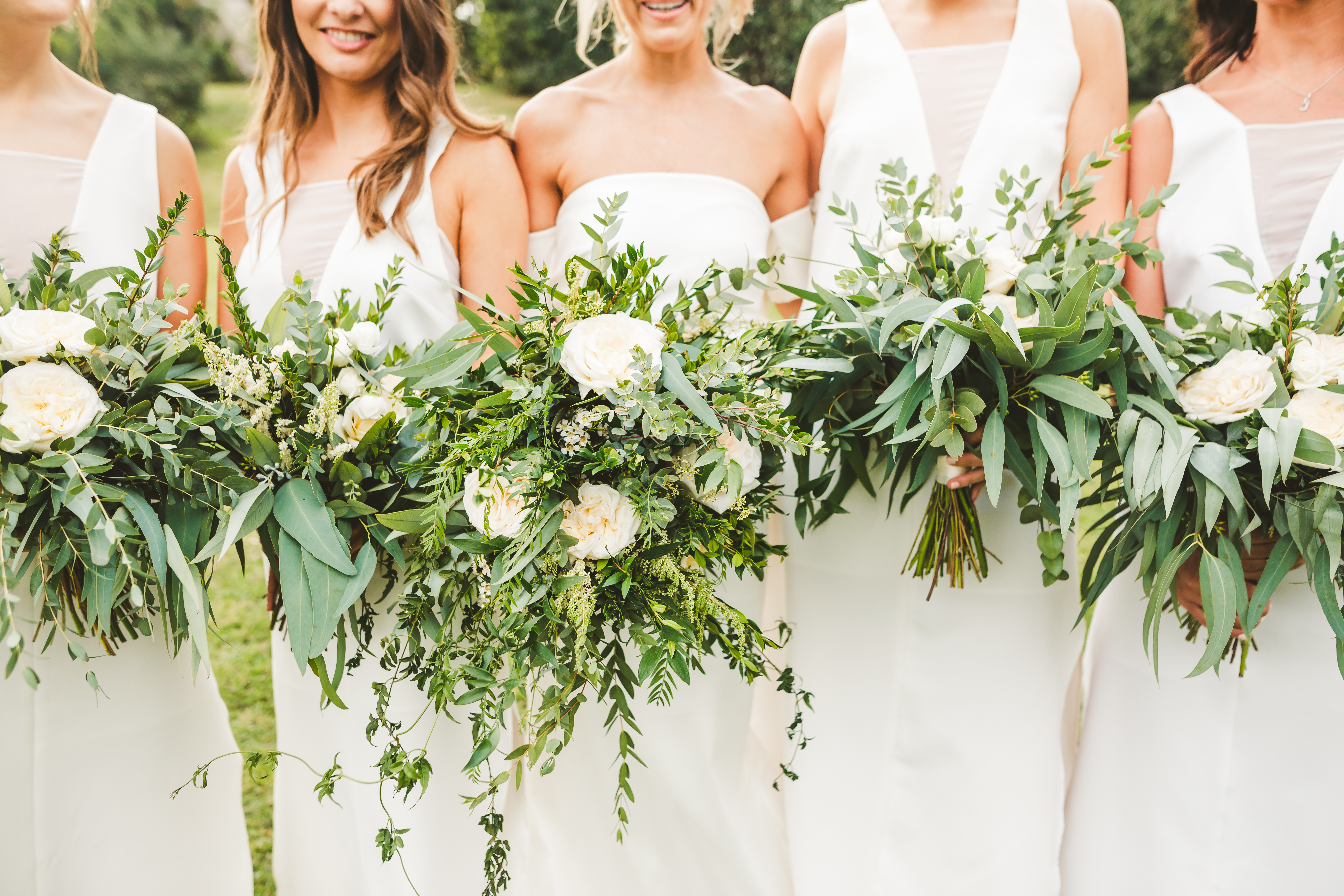 Total white wedding at Borgo di Tragliata