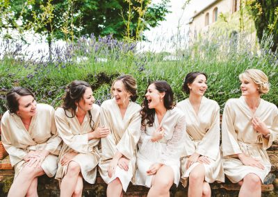 Intimate wedding in Tuscan vineyards