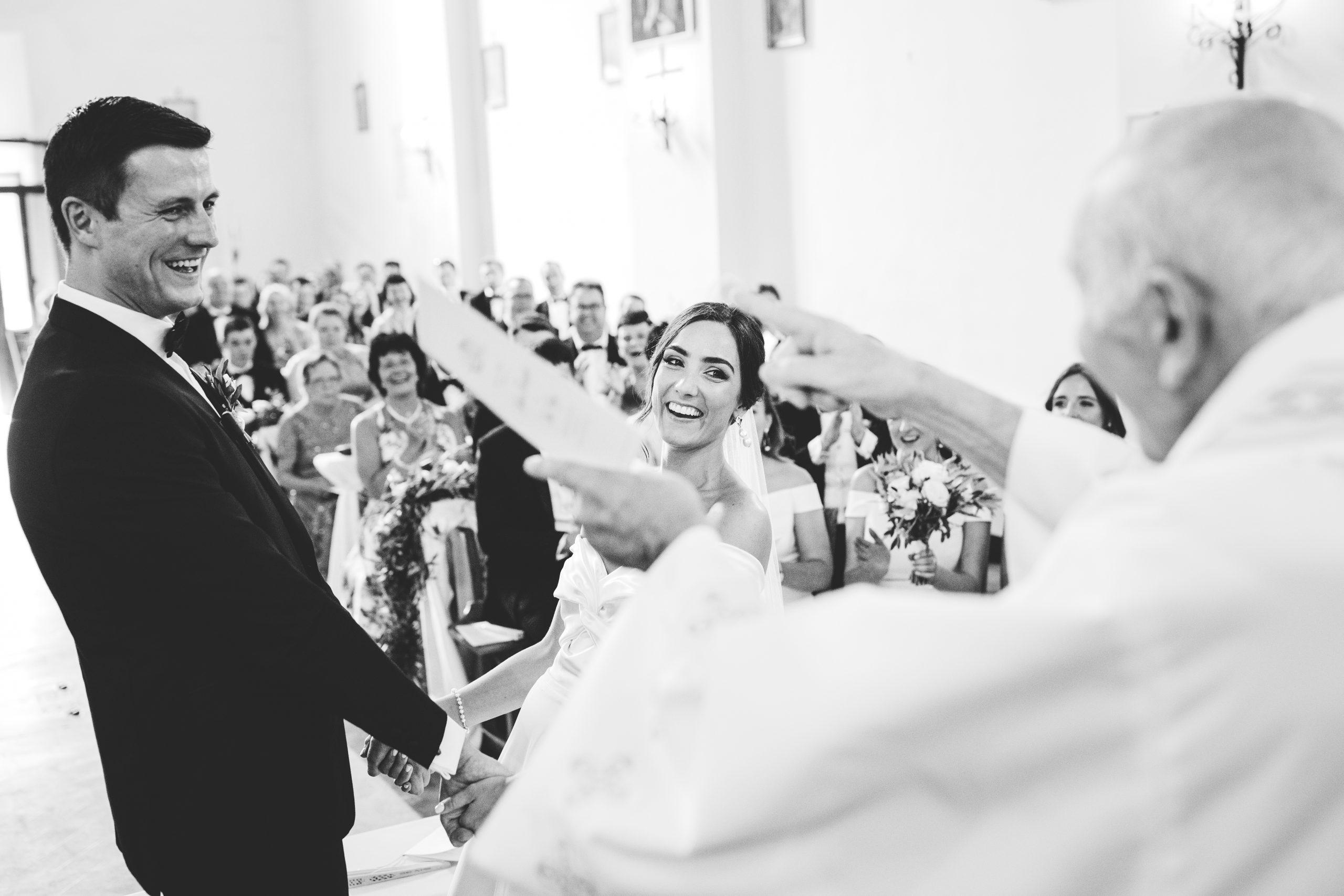 Borgo di Tragliata irish wedding – You may now kiss the bride